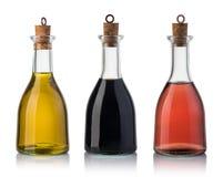 Botella de aceite y de vinagre de oliva Imágenes de archivo libres de regalías