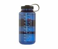 Botella de agua azul imagen de archivo