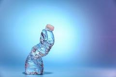 Botella de agua encogida Foto de archivo
