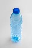 Botella de agua vacía Imagen de archivo