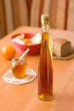 Botella de aguamiel - productos de la miel Fotografía de archivo