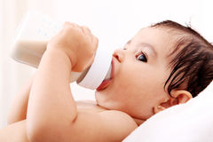 Botella de bebé foto de archivo libre de regalías