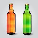 Botella de cerveza de cristal en blanco para el nuevo diseño Fotos de archivo libres de regalías