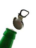 Botella de cerveza de la apertura imagen de archivo libre de regalías