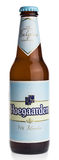 Botella de cerveza del trigo de Hoegaarden del belga Foto de archivo libre de regalías