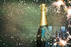 Botella de champán Feliz Año Nuevo Fotografía de archivo
