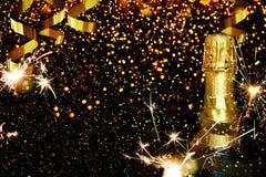 Botella de champán Feliz Año Nuevo Foto de archivo libre de regalías