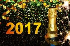 Botella de champán Feliz Año Nuevo Imágenes de archivo libres de regalías