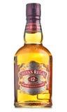 Botella de Chivas Regal 12 aislado en blanco Fotografía de archivo