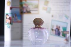 Botella de la fragancia imagen de archivo