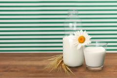 Botella de leche Imagen de archivo