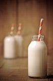 Botella de leche retra Foto de archivo libre de regalías