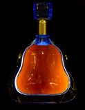 Botella de lujo con el coñac o el brandy fotos de archivo libres de regalías