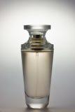 Botella de perfume. Fotografía de archivo libre de regalías