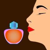 Botella de perfume y perfil de la cara del ` s de la mujer Imagen de archivo libre de regalías