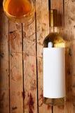 Botella de vino blanco Fotos de archivo