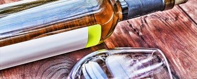 Botella de vino blanco thanksgiving Fotos de archivo libres de regalías