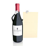 Botella de vino que muestra la carta de vinos Foto de archivo