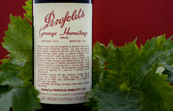 Botella de vino superior australiano, ermita del granero de Penfolds Imagenes de archivo