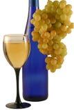 Botella de vino, vidrio, uvas Fotos de archivo libres de regalías