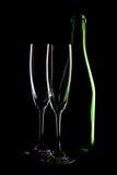 Botella de vino y de copas Foto de archivo libre de regalías