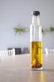 Botella del aceite de oliva Imagen de archivo