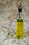 Botella del aceite de oliva Fotografía de archivo libre de regalías