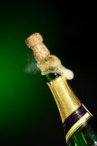 Botella del champán de la apertura Imagen de archivo