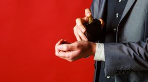 Botella del cologne de la moda Olor de la fragancia Botella del perfume o del cologne Fragancia masculina, perfumer?a, cosm?ticos fotos de archivo