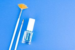 Botella del líquido de Art Brushes And Nail Care del clavo Imagen de archivo libre de regalías