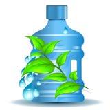 Botella plástica con el agua potable limpia Foto de archivo