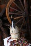 Botella tradicional de vino Imagenes de archivo