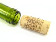 Botella y corcho Imagenes de archivo