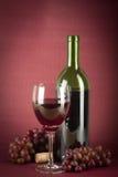 Botella y vidrio de vino Foto de archivo