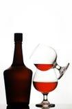 Botella y vidrios Bandy Foto de archivo