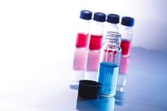 Botellas científicas de la muestra Imagen de archivo