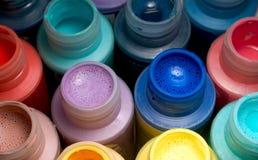 Botellas clasificadas de la pintura Fotos de archivo libres de regalías