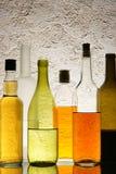 Botellas con alcohol imagenes de archivo