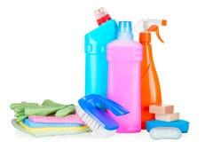 Botellas con los agentes de limpieza para limpiar la casa foto de archivo libre de regalías