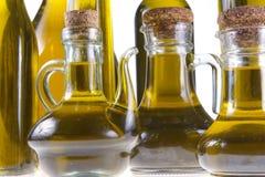 Botellas de aceite de oliva virginal adicional Foto de archivo libre de regalías