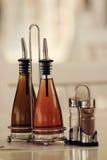 Botellas de aceite y del vinagre Foto de archivo libre de regalías