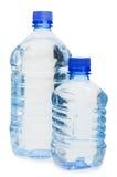 Botellas de agua aisladas sobre blanco Imagen de archivo