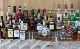 Botellas de alcohol imagen de archivo