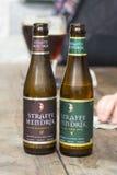Botellas de cervezas de Bélgica Straffe Hendrik fotos de archivo