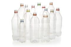 Botellas plásticas de la bebida para reciclar. Imagen de archivo libre de regalías