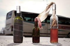 Botellas de cristal inflamables usadas por los extremistas Foto de archivo libre de regalías