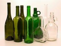 Botellas de cristal verdes y blancas Imágenes de archivo libres de regalías