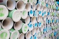 Botellas de la cerámica en el pueblo de cerámica antiguo de Trang del palo El pueblo de Trang del palo es el pueblo más viejo y m Imagenes de archivo