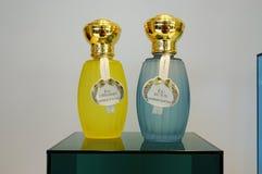 Botellas de perfume de Annick Goutal fotos de archivo