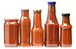 Botellas de salsa de tomate imágenes de archivo libres de regalías